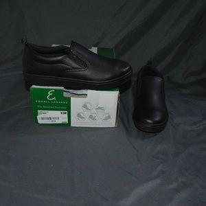 $65 Emeril Lagasse Royal Slip Resistant 9.5M
